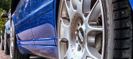 Letne gume se bolje obnesejo na suhih cestah
